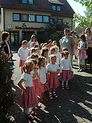 Maifest 2005 auf dem Schulhof